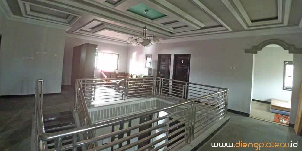 pringgodani homestay wisata dieng plateau sangat besar dengan 4 lantai