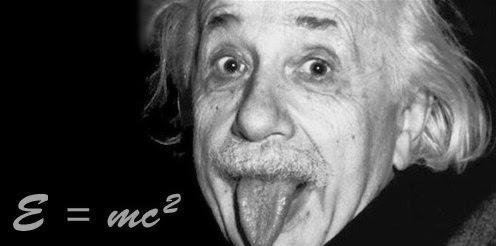 Einstein Menjulurkan Lidah