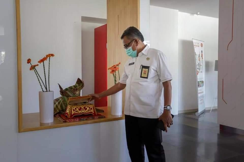 Lihat Hiasan Tanjak dan Tepak Sirih, Jefridin Memuji Harris resort Waterfront Batam
