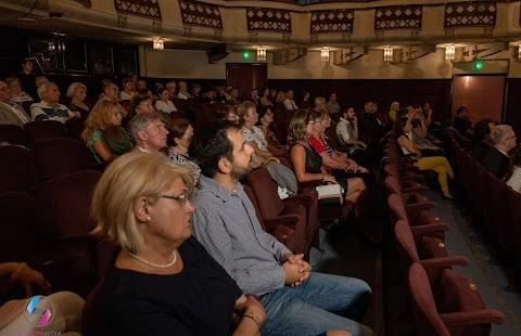 Hat bemutató lesz a Soproni Petőfi Színházban