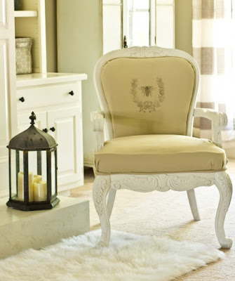 http://www.savvyapron.com/diy-french-chair-with-graphic/
