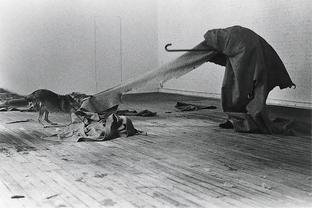 """Joseph Beuys – """"I Like America and America Likes Me, May 1974"""""""