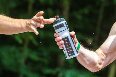 خطورة شرب المياه بعد التمارين مباشرة