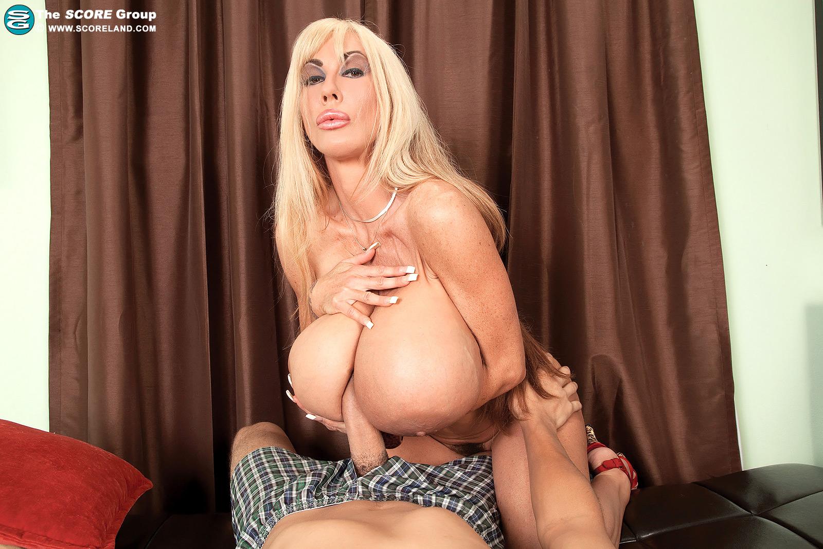 Elizabeth starr super long nails blowjob 4