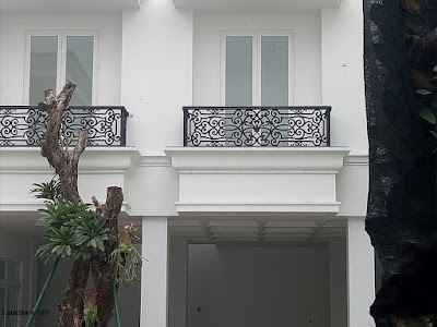 balkon untuk rumah semi klasik
