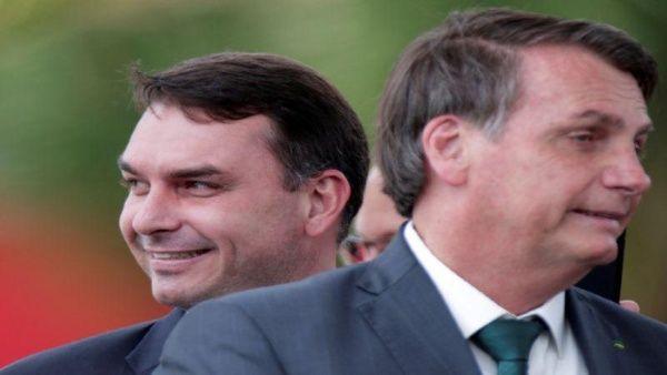 Hijo de Bolsonaro testifica ante Fiscalía en caso de corrupción