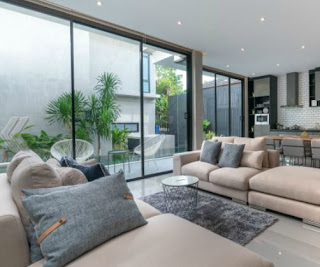 Stunning Elegant House Escape