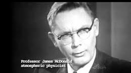 Mc Donald el físico que creía en los platillos volantes