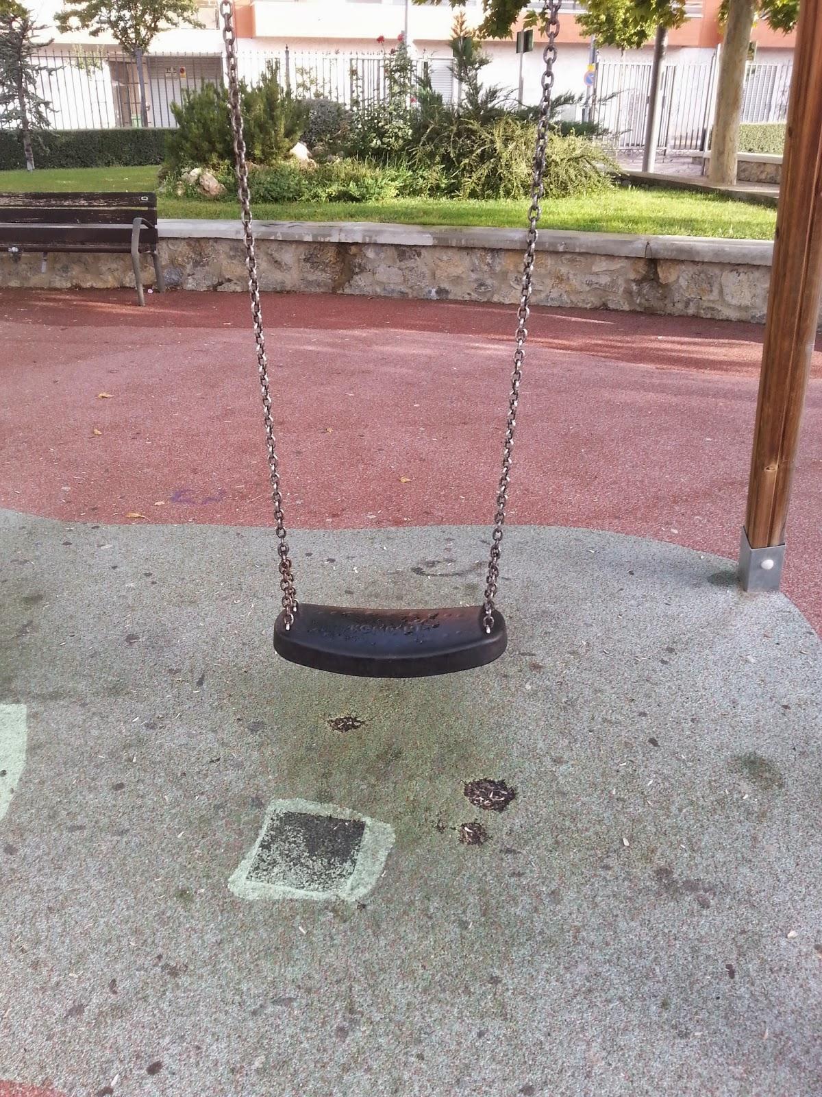 Parques que sí; parques que no en Caravaca: los columpios para bebés ...