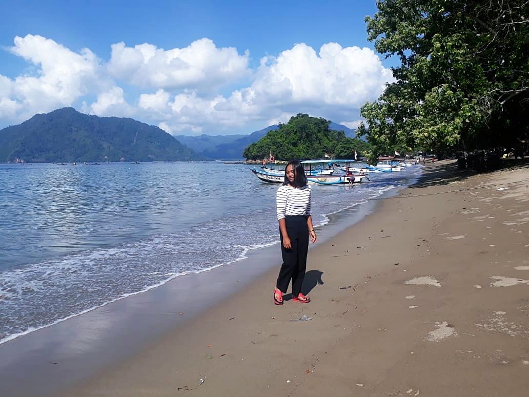 Pantai Karanggongso Trenggalek Nan Eksotis - arayanaNews.com