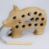 Lotes wooden toys,TT14, Threading Piglet