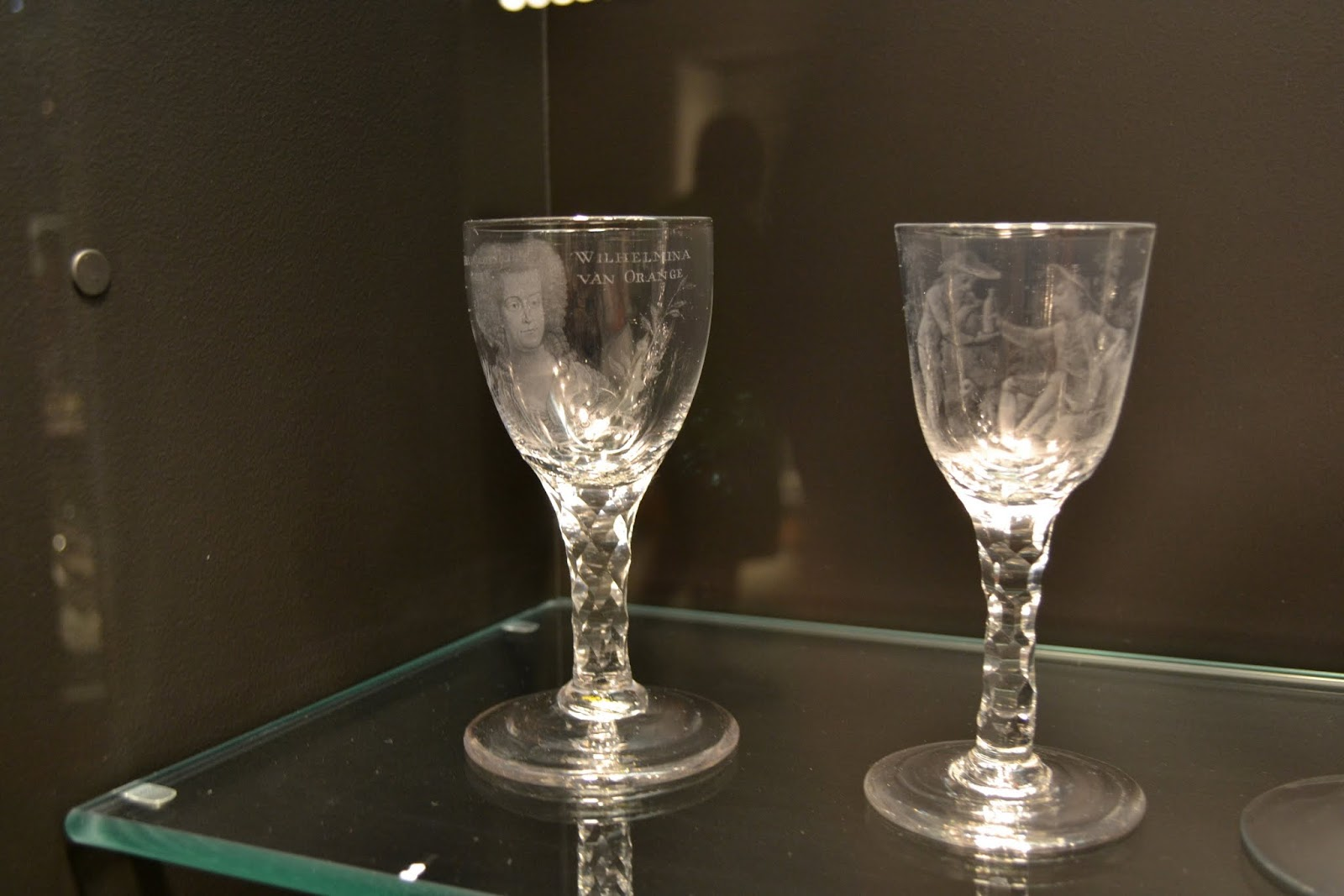 Музей стекла в Корнинг, штат Нью-Йорк (Corning Museum of Glass, Corning, New York)