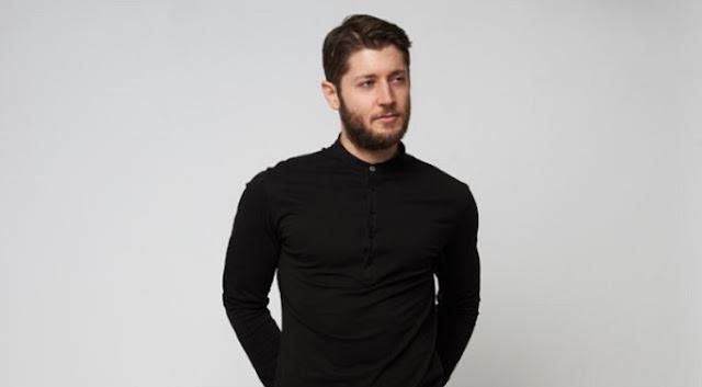 Θάνος Κρομμύδας: Σε ρόλο μοντέλου για μεγάλη εταιρεία ρούχων ο ταλαντούχος Θεσπρωτός ηθοποιός