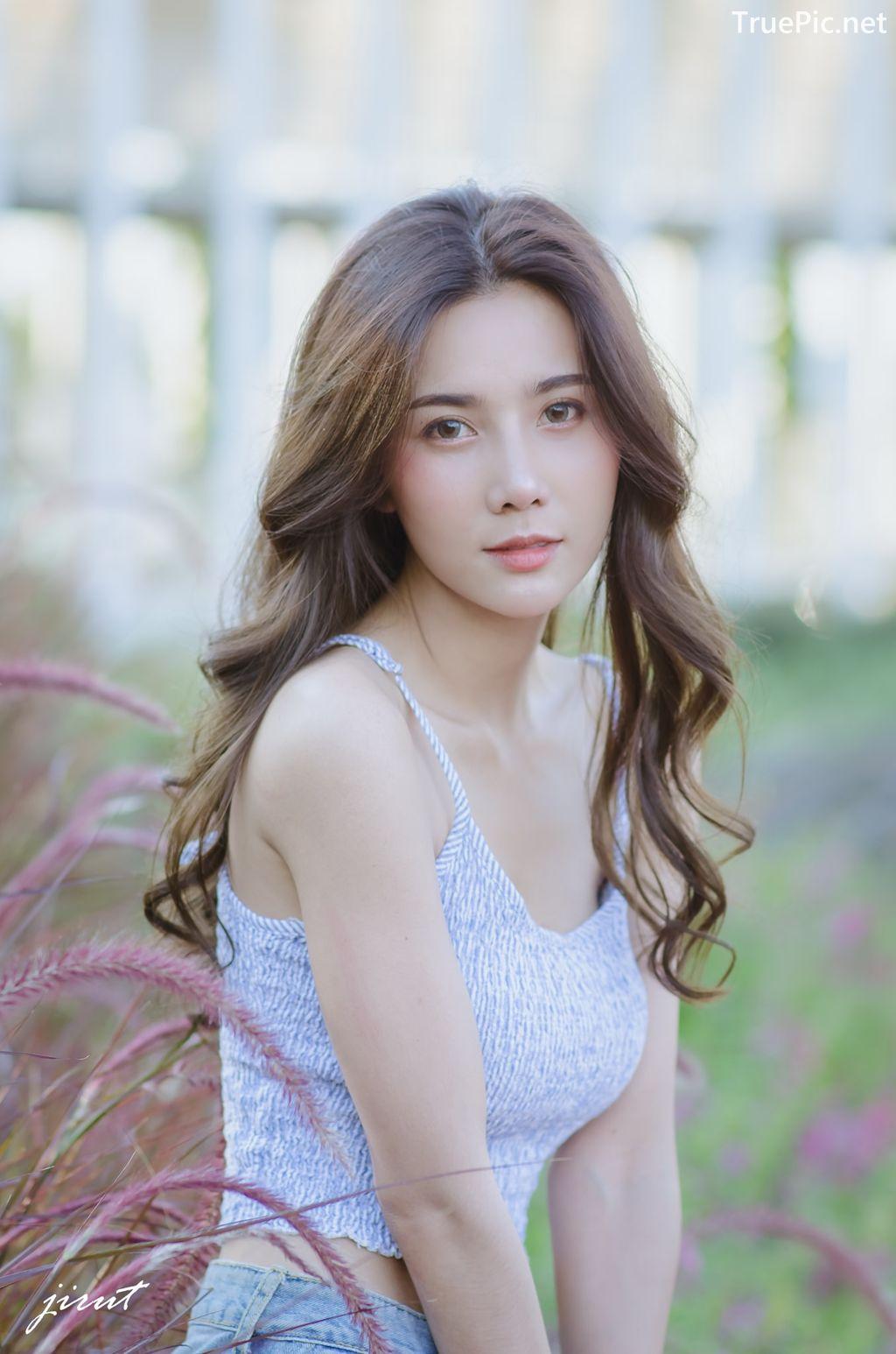 Image-Thailand-Model-Baiyok-Panachon-Cute-White-Crop-Top-and-Short-Jean-TruePic.net- Picture-8
