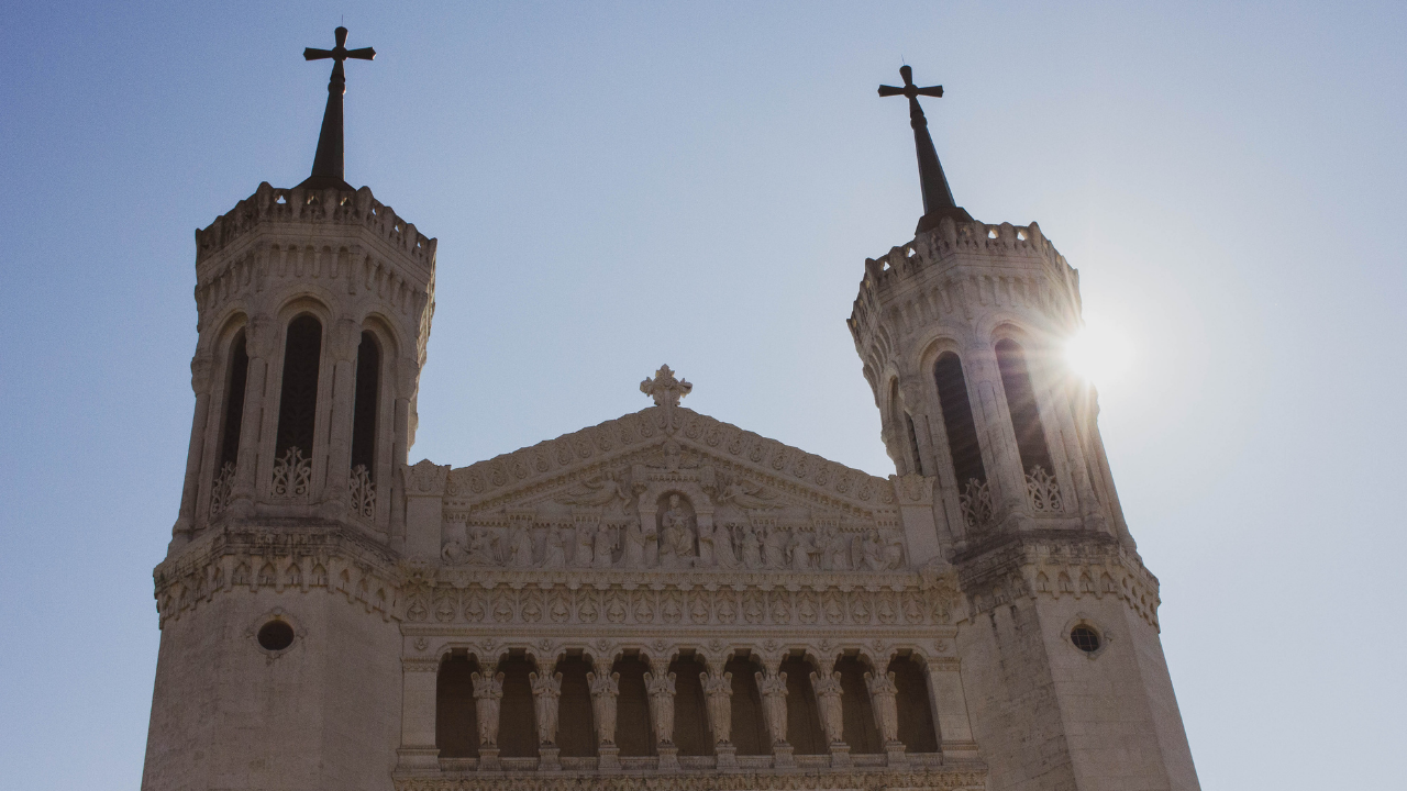An image of the Basilica of Notre-Dame de Fourvière on a sunny day.
