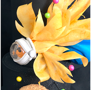 Inspiré par « Fish in Space » de Nora Blansett - Pedro León de Lion's Cakes