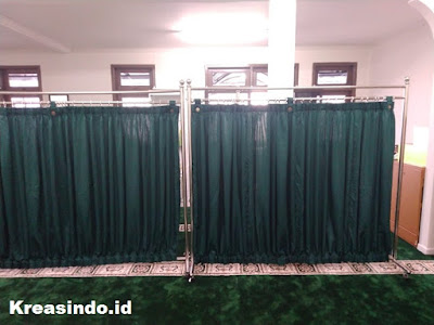 Pemabatas Shaf Sholat Stainless pesanan PT Asuransi Askrida Syariah di Cempaka Mas Jakarta