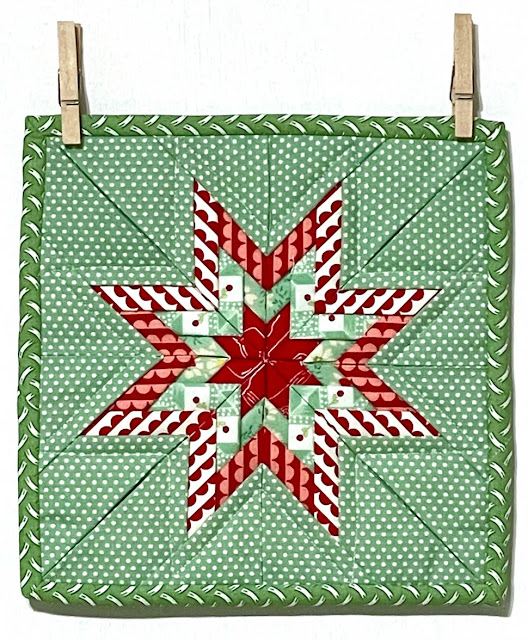 Folded Star Mini Quilt by Thistle Thicket Studio. www.thistlethicketstudio.com