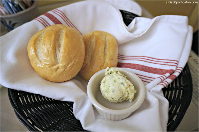 Bollos de Pan del Menú del Restaurante Pickity Place en Mason, New Hampshire