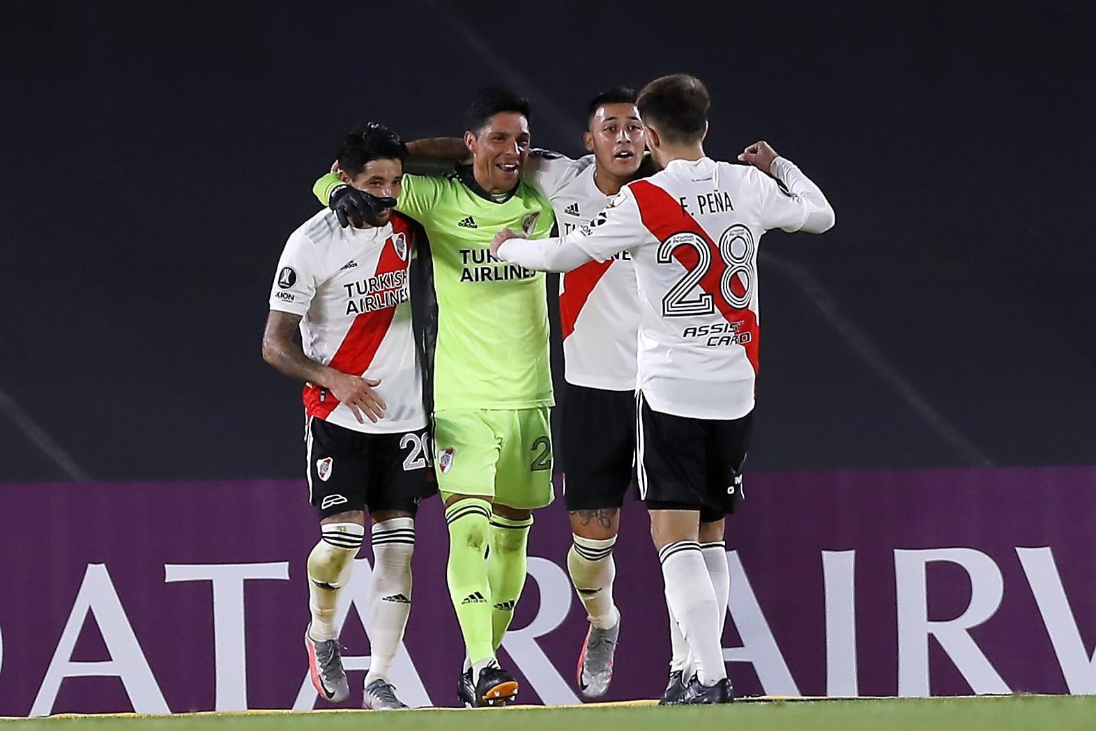 ¡River tuvo su noche épica! Con Enzo Pérez al arco, venció a Independiente Santa Fe y llegó a la cima del Grupo D