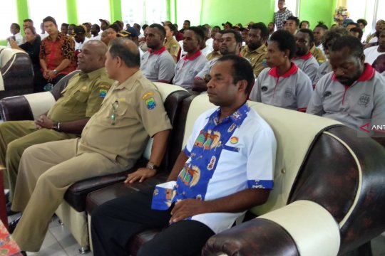 Ketua DPD Himpunan Pramuwisata Indonesia Provinsi Papua Barat Matias Rumbruren