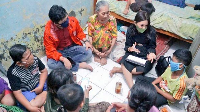 MIRIS! Dekat Istana Presiden, Dua Murid Sekolah Tak Punya Ponsel untuk Belajar