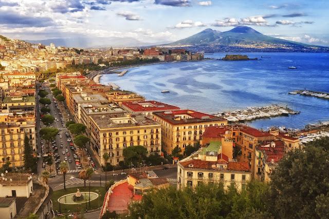 Naples tourist Place - Yatraworld