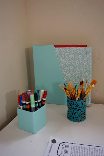 Craft Homeschool Teacher Desk Space