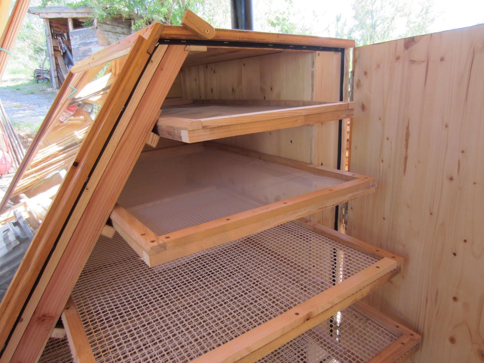l 39 atelier des coureurs des bois fabrication d 39 un s choir solaire. Black Bedroom Furniture Sets. Home Design Ideas