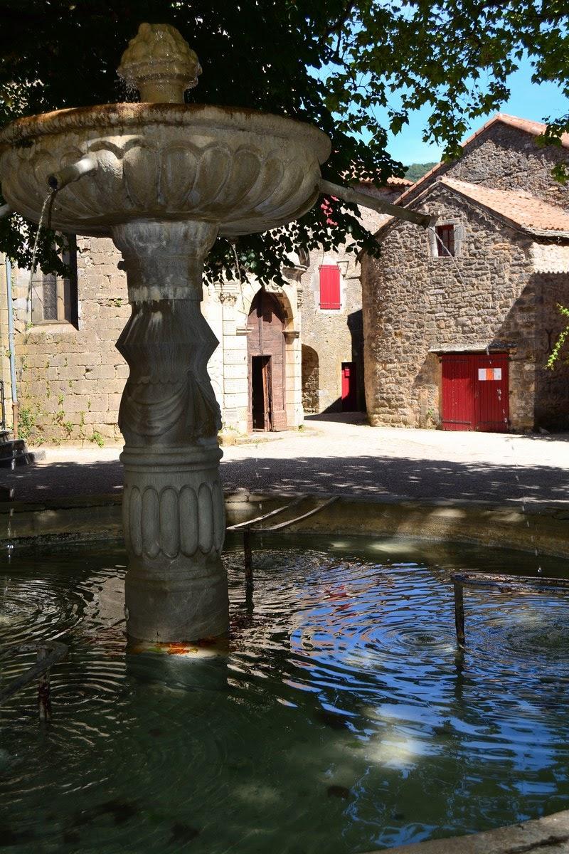 Fontaine Renaissance Sainte-Eulalie-de-Cernon