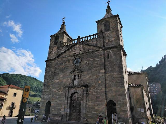 Iglesia Colegiata de Santa María Magdalena en Cangas del Narcea