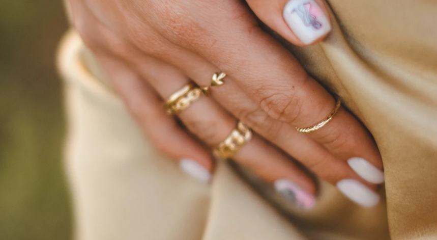 And everything broke: bad habits that prevent you from growing long nails