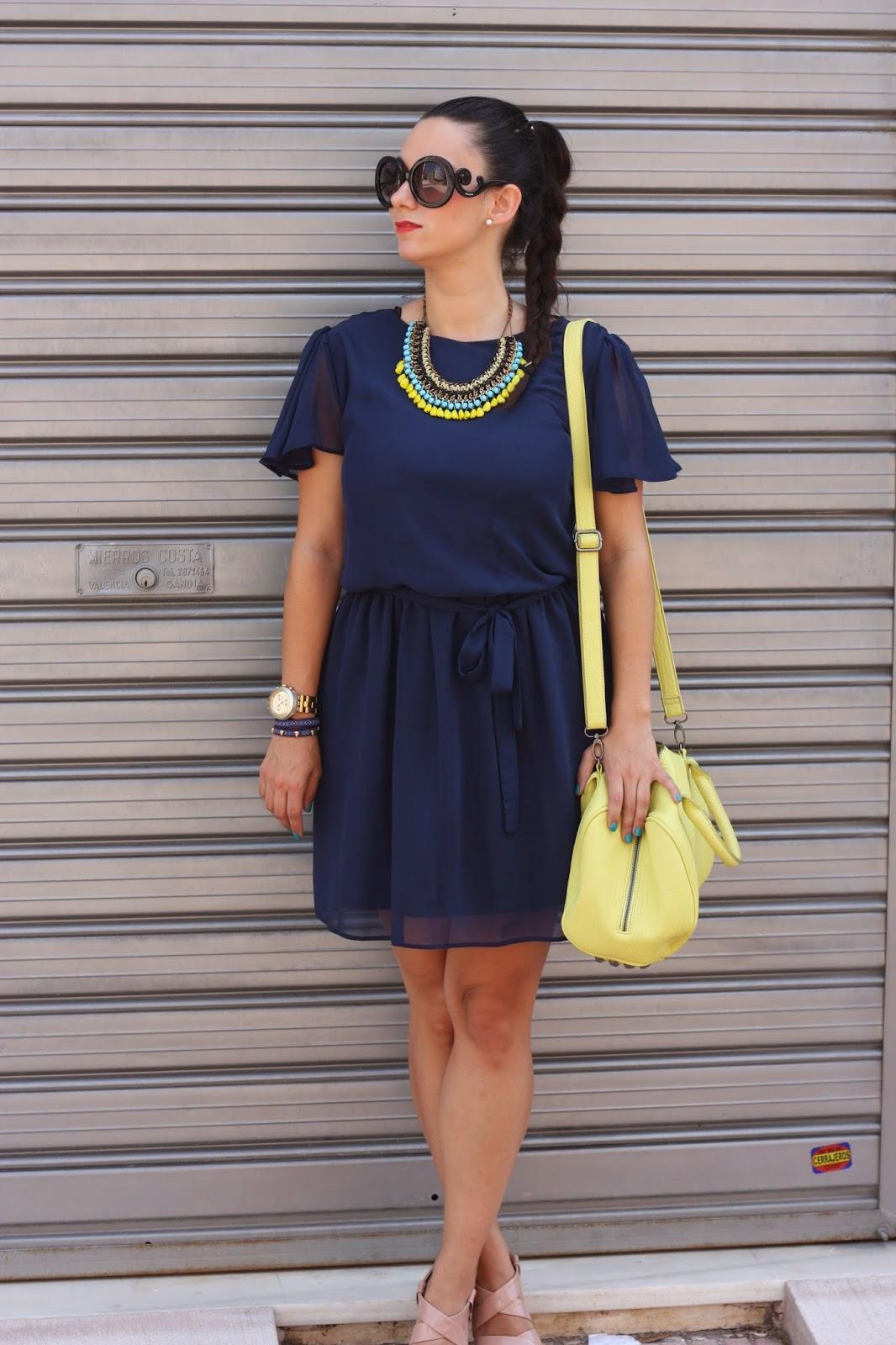 http://silviparalasamigas.blogspot.com.es/2014/06/azul-marino-fluor.html