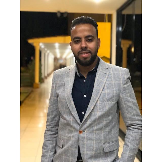 الكاتب فؤاد رجب
