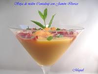 Sopa de melón Cantaloup con jamón ibérico y menta