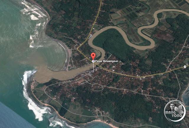 FOTO MAP 1 : Pantai Binuangeun dilihat dari atas ( Google Map )