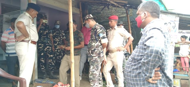 मधवापुर के बिहारी में दवा दुकान पर पुलिस ने किया रेड, मिला प्रतिबंधित दवा