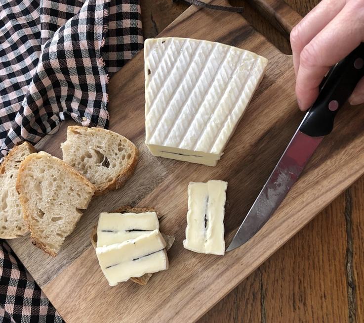 Queso Brie trufado