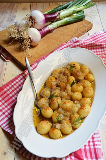 hiperica di lady boheme blog di cucina, ricette gustose, facili e veloci. Patate novelle al forno con cipolle