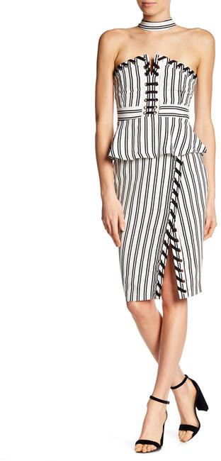Artistic Stripes - My Favorite Black And White Skirts For Winter Under $100 www.toyastales.blogspot.com #ToyasTales #blackandwhite #stripes #stripeskirts #blackandwhitestripes #ootd #fashion #fashionblogger
