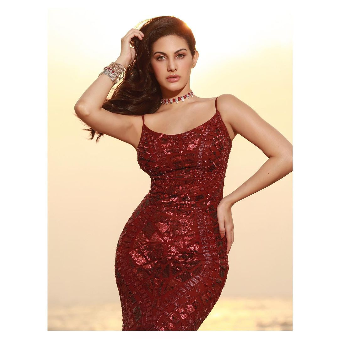 Actress Amyra Dastur Latest Hot Photos