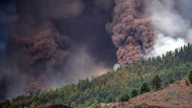 Vulcão Cumbre Vieja entra em erupção neste domingo, 19