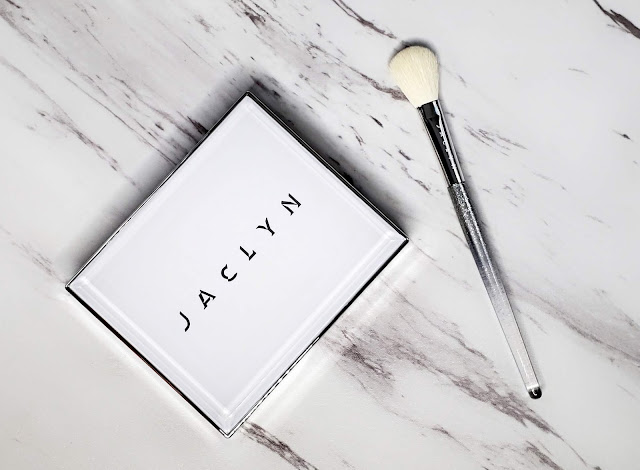 Review: Jaclyn Cosmetics Accent Light Duo Highlighter Palette & Brush Set