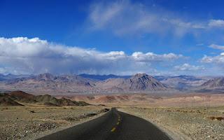 西藏包車旅遊不踩坑