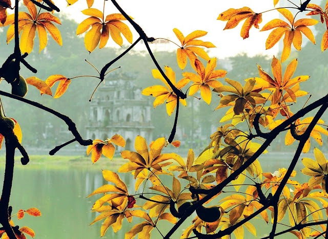 "Some photos about ""Romantic beauty of Hanoi in autumn"""