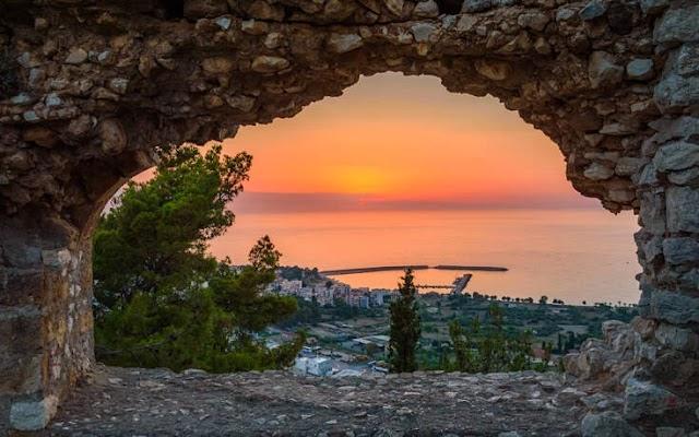 Πελοπόννησος: Το κάστρο που χτίστηκε από γίγαντες
