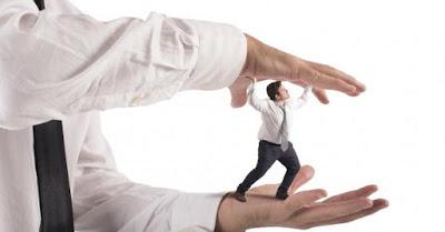 ¿Cómo actuar con un jefe narcisista?