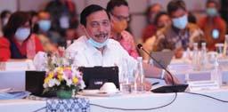 Kumpulkan Pejabat KKP, Luhut: Tidak Ada Yang Salah Dalam Permen Lobster