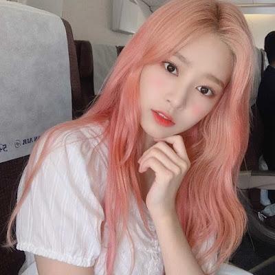 Hình ảnh keo xịt tóc màu familiar hair color blue ( hồng tươi )