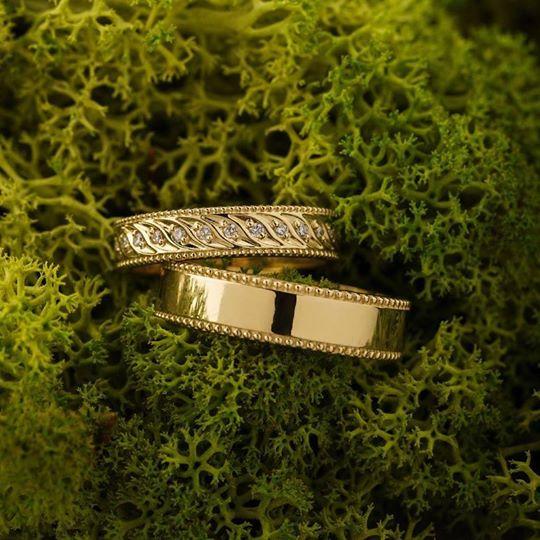 Nhẫn cưới dưới 5 triệu nhiều hạt đá
